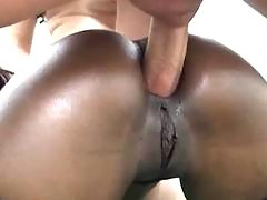 Killer ebony shorty takes a cockride